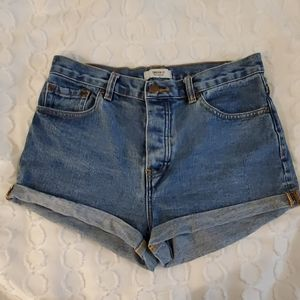 Forever 21 highwaisted shorts 27
